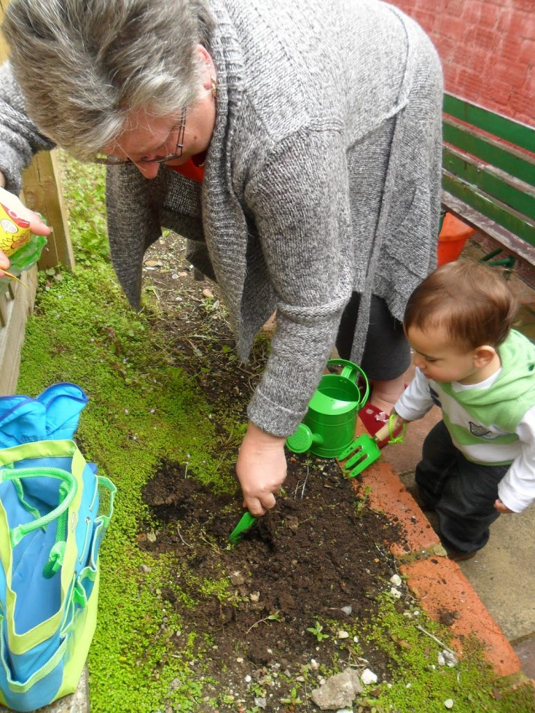 BritMums' #KidsGrowWild Challenge children gardening